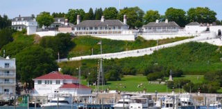 Shore Excursion: Fort Mackinac offers glimpse of Michigan island's past