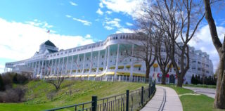 Shore Excursion: Grand Hotel takes guests back 'Somewhere in Time'